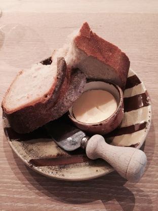 huisgemaakte boter | huisgebakken brood
