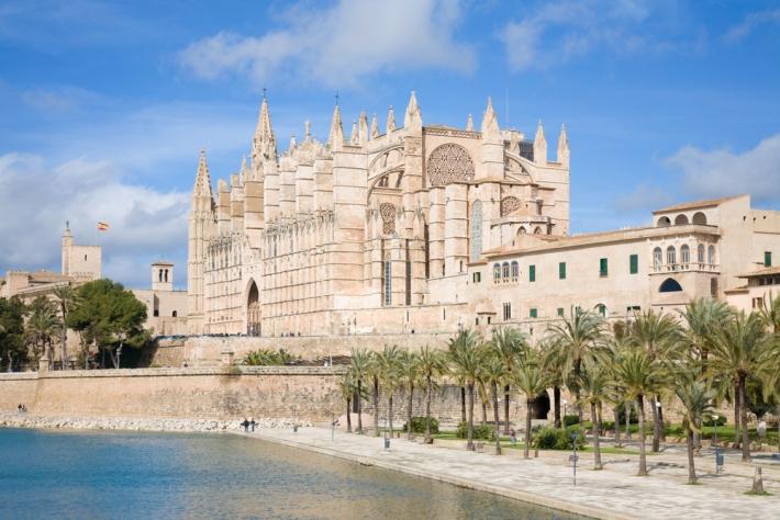 Palma-de-Mallorca-sightseeing-image-1-Cathedral